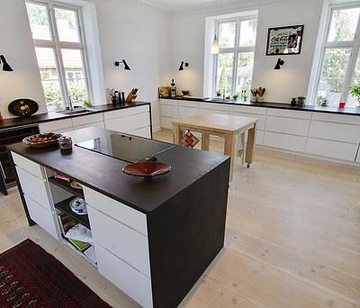 Nyt Kvik køkken med Siemens hårde hvidevarer i Lyngby nord for København