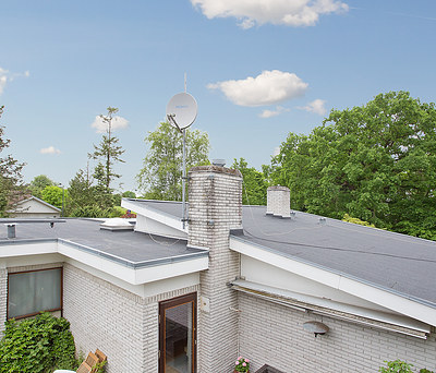 Nyt 250 m2 tag med tagpap på villa i Vedbæk