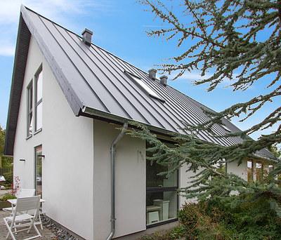 Nyt Plannja ståltag og nye Velfac 200 vinduer i Roskilde
